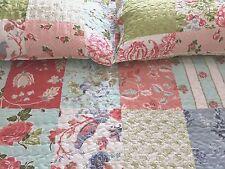 Tagesdecke 240x260 Bettüberwurf inkl. 2 Kissenbezüge Quilt Patchwork Design rosa