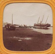 Bateau échoué Belle scène Marine à localiser Stéréo Vintage albumine c 1860