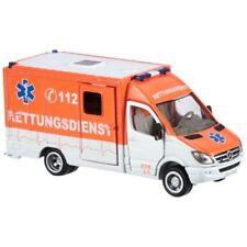 Altri modellini statici di veicoli ambulanze bianchi