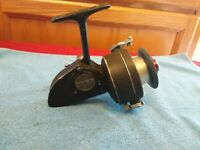 VINTAGE DAM QUICK 330 SPINNING REEL GERMANY FISHING WORKING CONDITION.