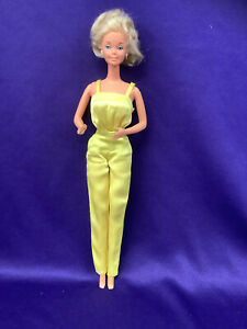 BARBIE DOLL, ONE PIECE ALL YELLOW PANTS/TOP, LOW BACK. TNT. B/KNEES. (BDC267)