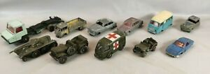 Lot 11 Véhicules Miniatures marque DINKY TOYS Voitures Camions Tank 1/43e cars I