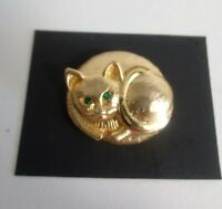 Vtg Kitty Cat Brooch Rhinestone Green Eyes Gold Tone Pin Curled Costume Jewelry