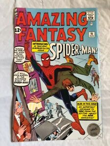 Amazing SpiderMan Signed By Stan Lee Hologram 1 APR AMAZING FANTASY Reprint back