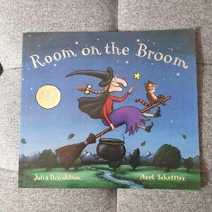2 Children Books Julia Donaldson Bedtime Story New. Room on the Broom, Superworm