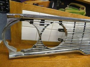 Oct 1968 Chrysler Imperial Crown Passenger Part Front Grille