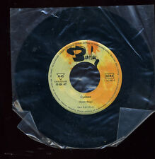 "Les Sorciers ‎– Cyclone / Caravelle 45 single 7"" 1964 surf Barclay 10 624 LISTEN"