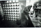 Photo Leon Herschtritt - Julio le Parc - Atelier - Art - tirage d'époque 1970 -