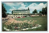 The Waumbek Inn, Jefferson NH c1950 Chrome Postcard J24