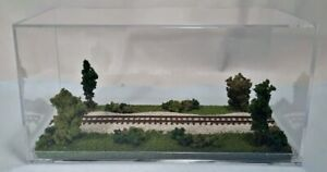 "N SCALE -SINGLE TRACK 8"" - DISPLAY CASE -""SUMMER  SCENE"" -FOR ANY N TRAIN  sdA3"