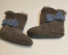 Ugg Classic Boot for Kids -- gray Size 4/5