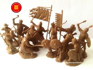 "RE-RELEASE! ""PUBLIUS"" -  THIRD CRUSADE, 12 rubber soldiers 1:32"