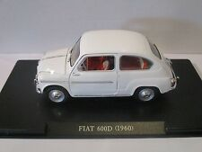 FW01 - Fiat 600D (1960)  White  Die Cast 1:24th Scale Model -  Tracked 48 Post