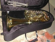 Tuba en ut NAUTILE neuf 5 palettes + étui et embouchure