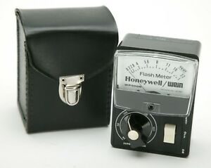 Vintage Two Flash Meters WP500B Honeywell/Wein. Untested. For Display Only.