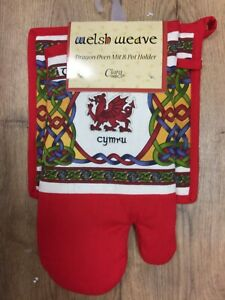 Oven Glove & Pot Holder/ Place Mat, The Welsh Dragon Celtic Weave Design, Cymru