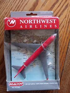 NEW Vintage Northwest Airlines Die cast Metal Realtoy No RT2364 747