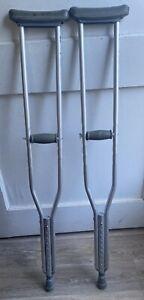 "Medline Underarm Crutches, Quick Adjust Euro-Style Clip Adjustable 5'2"" to 5'10"""