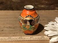 "Asian Porcelain Mini Bud Hexagon Vase/Urns Satsuma Moriage Geisha 2 1/2""x1 5/8"""