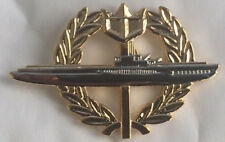 US Navy Submarine Wreath - large lapel / hat pin badge.      H010810