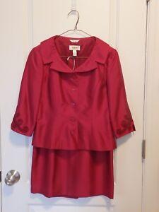 Talbots 100% Silk Suit Gorgeous Christmas Cranberry Color Size 4 Petite