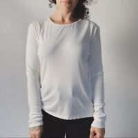 EILEEN FISHER Washable Silk Long Sleeve Tee Small Missing Size Tag