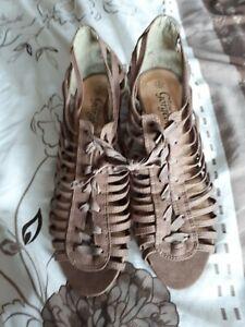 Ladies New Look Sandals Size 4 NEW