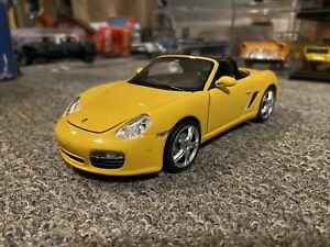 1/24 Scale 2005 Porsche Boxster S Diecast Model Car (987) Welly 22479 Yellow