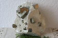 Pirita en muttergestein navajun sp.p-3015/b