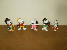 5 anciennes figurines SNOOPY PEANUTS - 4x UNITED FEATURE - 1966 ??
