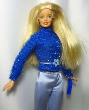 Pretty Fashion Barbie Doll Blonde Blue eyes wearing Fashion Avenue Outfit