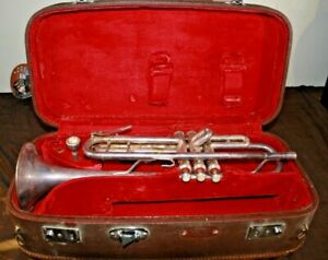 Vintage Trumpet LARK  M4013 in case made in China