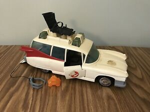 Vintage Ghostbusters Ecto 1 Ambulance Car Toy With Ghost 1984