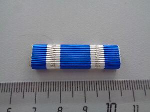 ^ (US-BW) NATO Einsatzmedaille 2 Silberstreifen Ordensspange US Format Ribbon