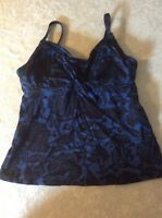 Lands End Tankini Swimsuit Top 2 Womens Blue Black Floral Underwire