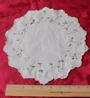 """Lovely Antique Silk Society Hand Embroidered Flowers on Linen c1900~10"""" Round"""