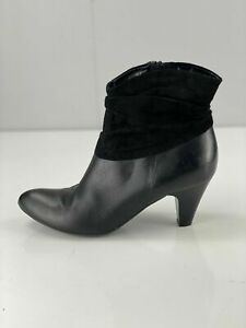 Clarks Women's Ankle Boots Leather / Suede with Zip - Size 6.5 D Black