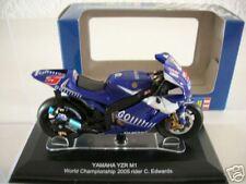 Revell Yamaha YZR-M1 C. Edwards 2005, 1:22