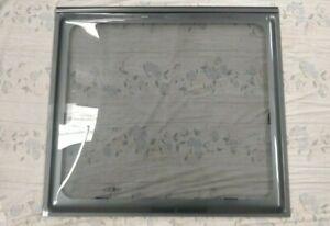 2009 BAILEY CARAVAN FRONT CENTRE WINDOW - 878x805mm