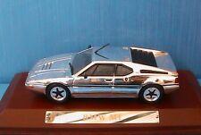 BMW M1 1978 CHROME IXO 1/43 WITH WOODEN BASE ALTAYA new SOCLE EN BOIS
