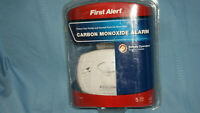First Alert Carbon Monoxide Alarm Detector CO400B Battery Operated w Battery NEW