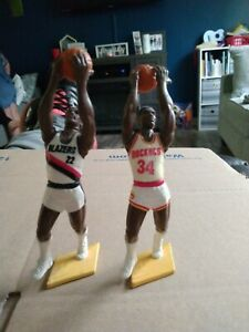 Lot of 2 1992 Hakeem Olajuwon Clyde Drexler SLU Starting Rockets Blazers Figure