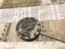 Regalo mano hecha a mano Steampunk Gun Metal Antiguo Moneda Sombrero/Corbata Pin para hombre