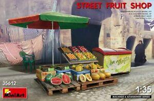 Miniart 35612 - 1/35 Street Fruit Shop Plastic Model Kit