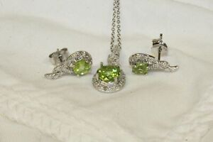 "17.5"" Silver 925 Necklace With Green and Clear Stone, Jewelry. Pre-Owned."