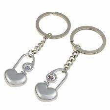 Par de llaveros CORAZONES. Regalo romántico. HEART keychain A1015