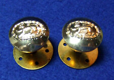 2 X ROYAL ANGLIAN REGIMENT 19.5MM OFFICERS MILITARY SHOULDER BOARD BUTTONS