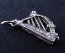 VINTAGE Sterling Silver Charm détaillé harpe irlandaise GUINNESS Irlande Celtique 2.03 G