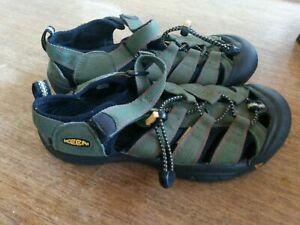 Green KEEN Newport sandals youth boys size 5 waterproof sport shoes girls size 6