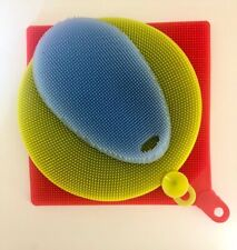 Multi functional Scrubber for cleaning, pot holder and place mat,dishwasher safe